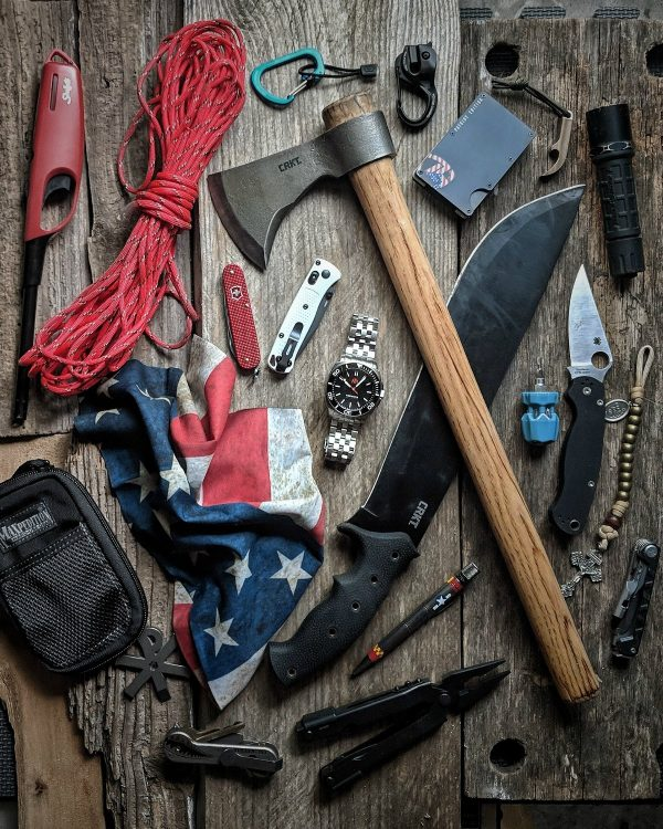Bushcraft-Essential-Gear