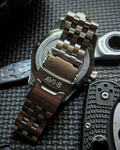 avi8-steel-bracelet-watch-review